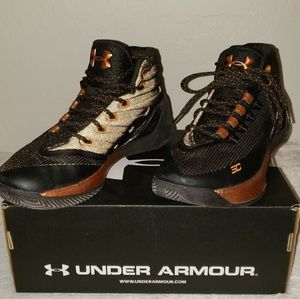 Under Armour Stephen Curry boys basketball shoe